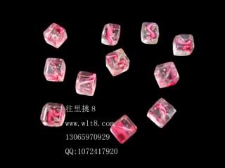 8205060--每包30个--独饰源夜光方块水晶